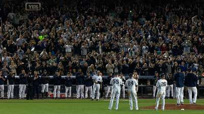 Yankees give Sandman a magical sendoff