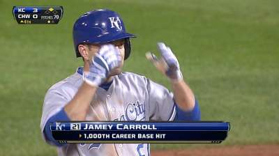 Veteran Carroll records 1,000th career hit at age 39