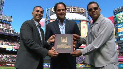Piazza takes rightful place in Mets Hall of Fame