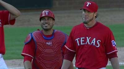 Rangers top Halos, force tiebreaker vs. Rays