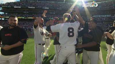 Walk-off win caps Giants' season-ending surge