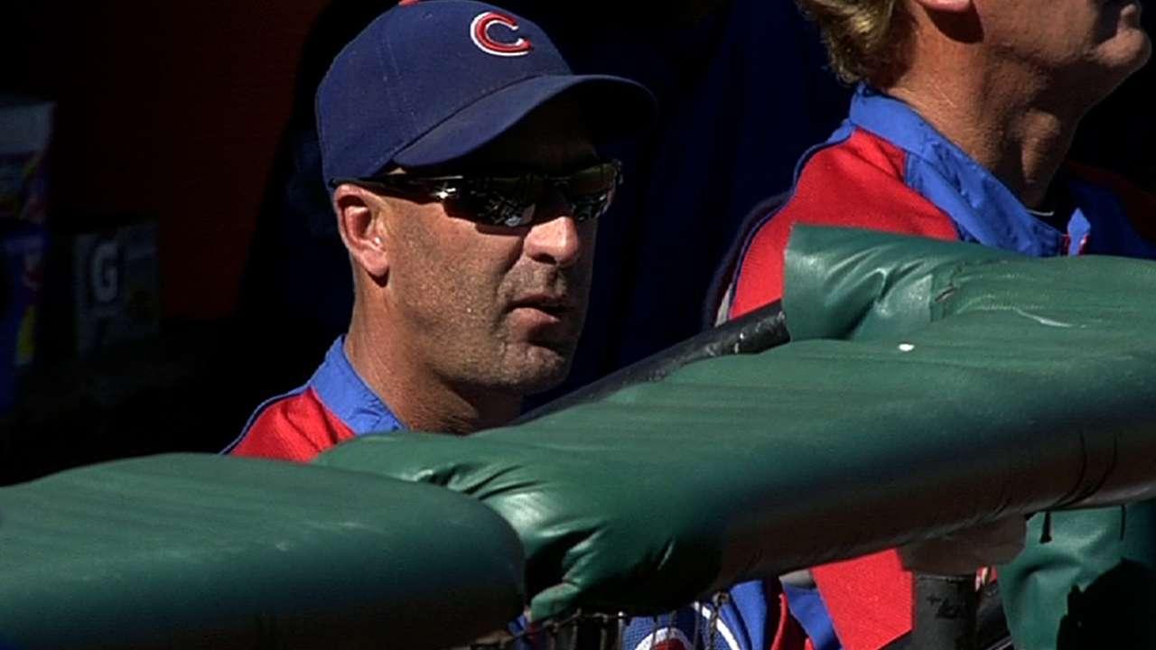 Former Cubs manager Sveum returns with Royals