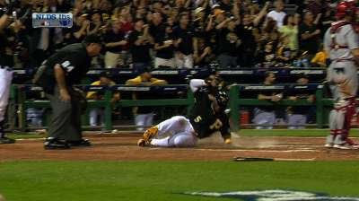 Bucs buckle down late, move to within win of NLCS