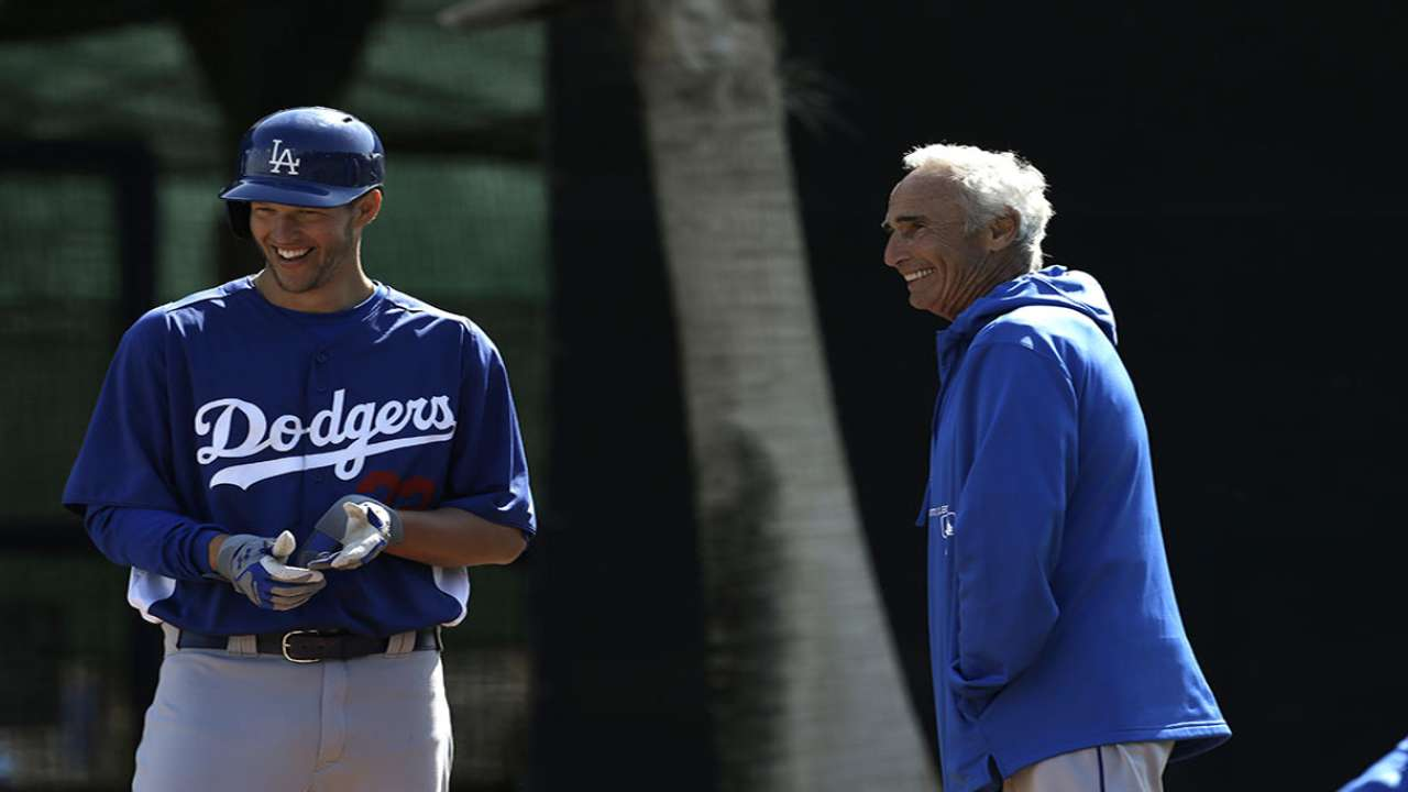 Koufax back in Dodgers camp as advisor