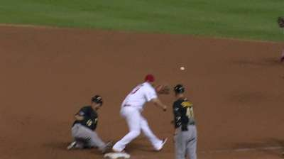 Bucs' offense snuffed by Wainwright, double plays
