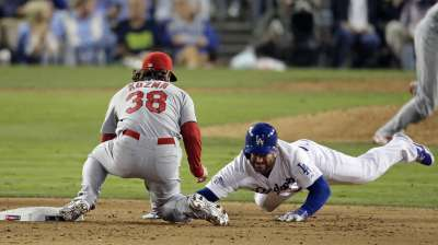 Matheny, Cards laud young players on pickoff