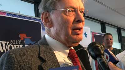 Selig: 'Never say never' about changing DH rule