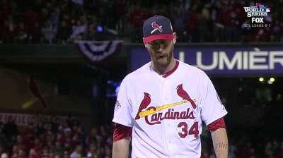 Cardinals help Axford sharpen mechanics