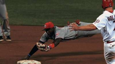 Phillips wins fourth Gold Glove Award