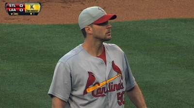 Wainwright: Gold Glove 'a tremendous honor'
