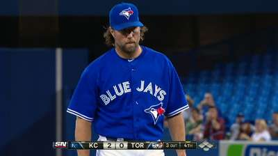 Dickey edges teammate Buehrle for Gold Glove