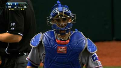 Soto signs one-year deal to be Rangers' No. 1 catcher