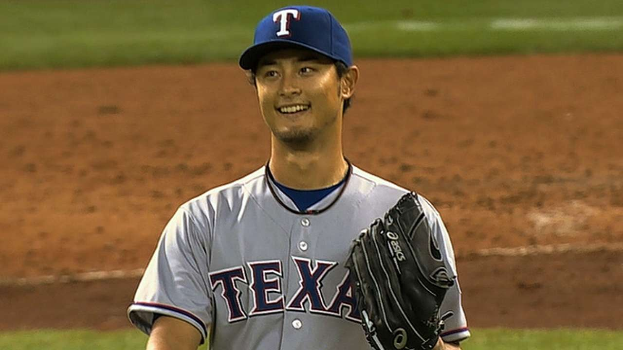 Darvish wins April Pitching Performance award