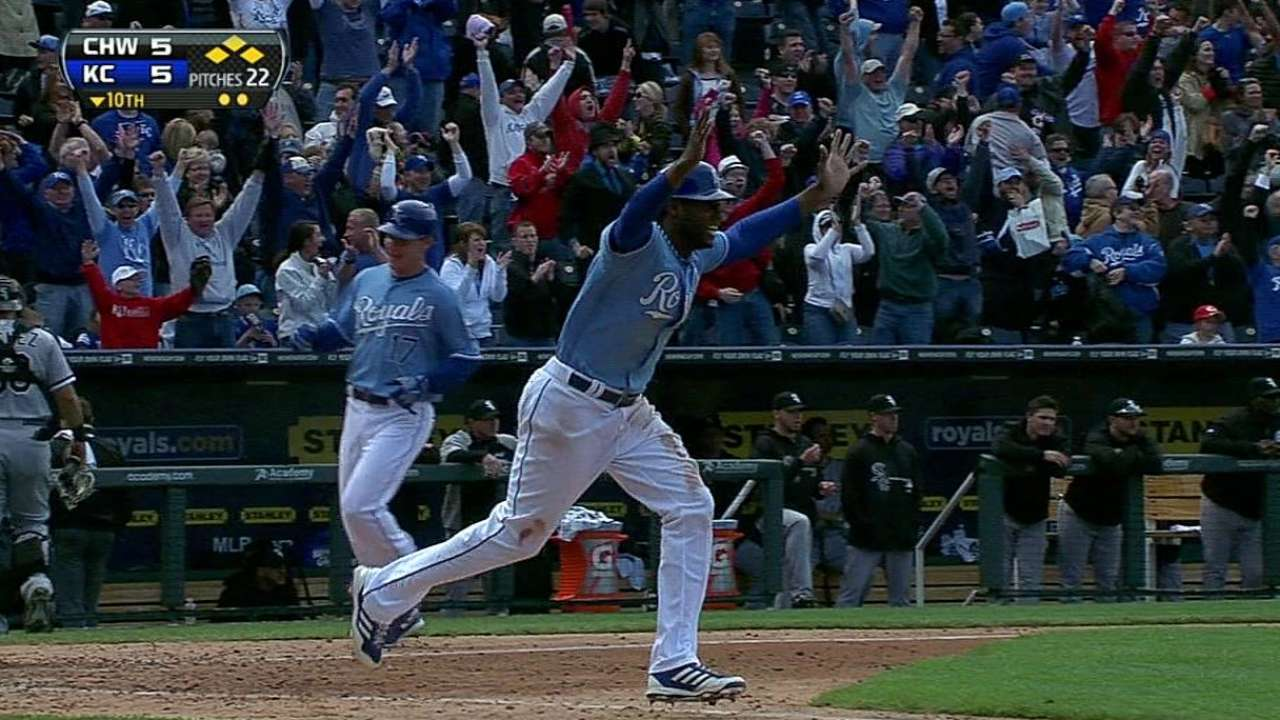 Gordon, Royals strike for walk-off against Sox