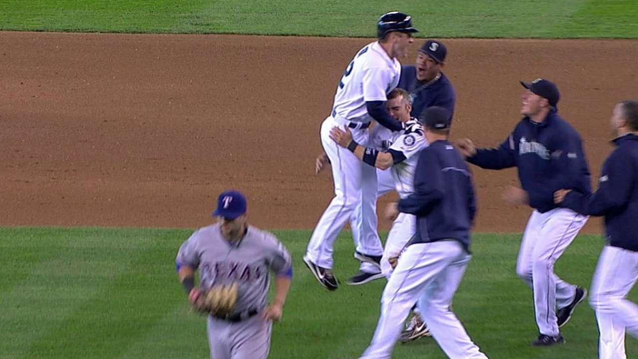 Mariners walk off in 13 to snap eight-game slide