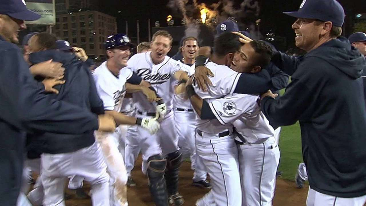 Guzman walks off to lift Padres in 17th