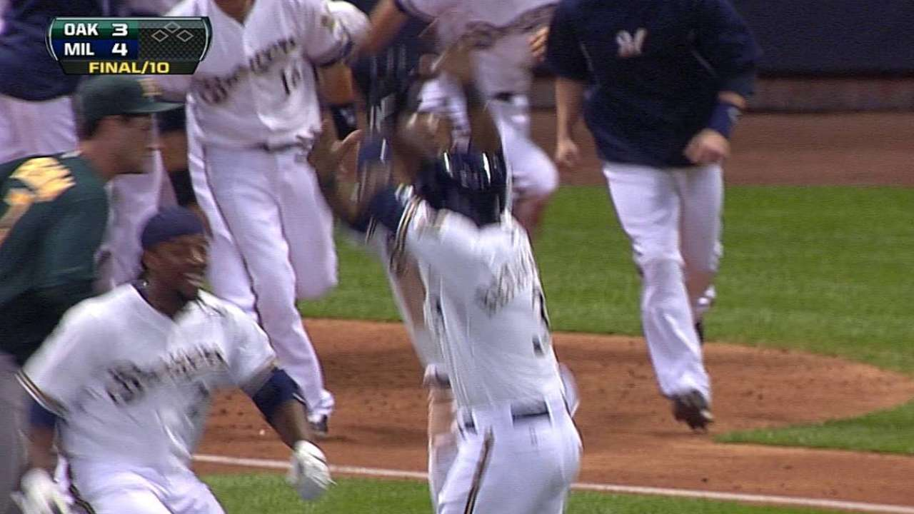 Betancourt gives Brewers win over A's in 10th inning