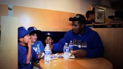 Puig holds clinic for Little Leaguers at Dodger Stadium