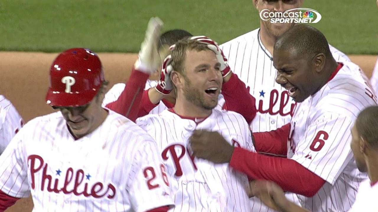 Phils rally in ninth, win on walk-off double