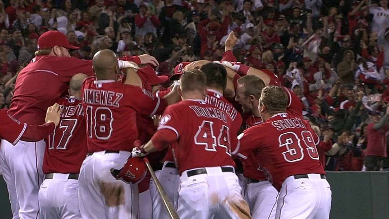 Pujols' walk-off double completes comeback victory