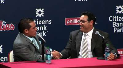 Phillies re-sign Ruiz to three-year contract