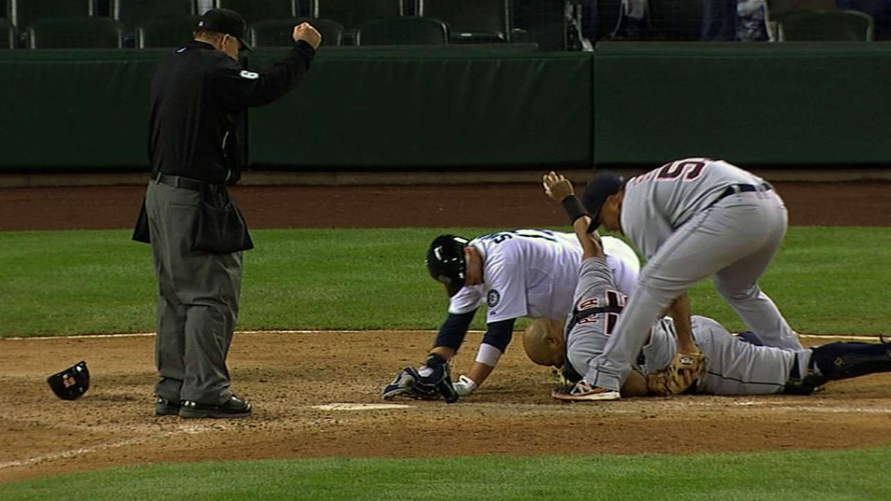Tigers prevail in 14th on night of 40 strikeouts