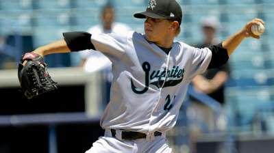 Blue Jays deal for catcher Kratz, lefty Rasmussen