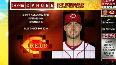 Contender status attracted Schumaker to Reds