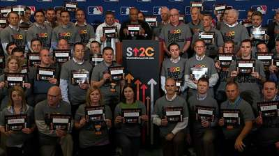 Halos' items generating action in SU2C Auction