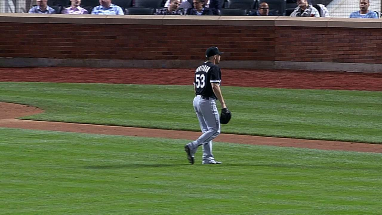 Santiago considers himself White Sox 'changeup guy'