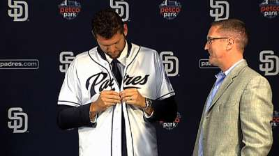 Padres line up bullpen upgrades at Meetings