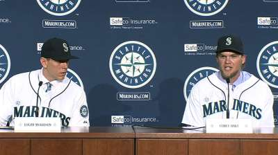 Mariners make things official with Hart, LoMo