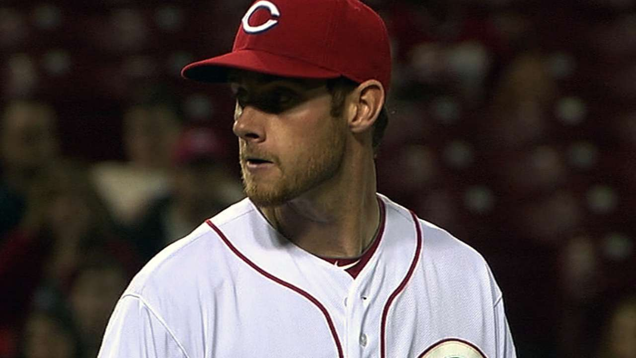 Cingrani gets first win as Reds rout Marlins