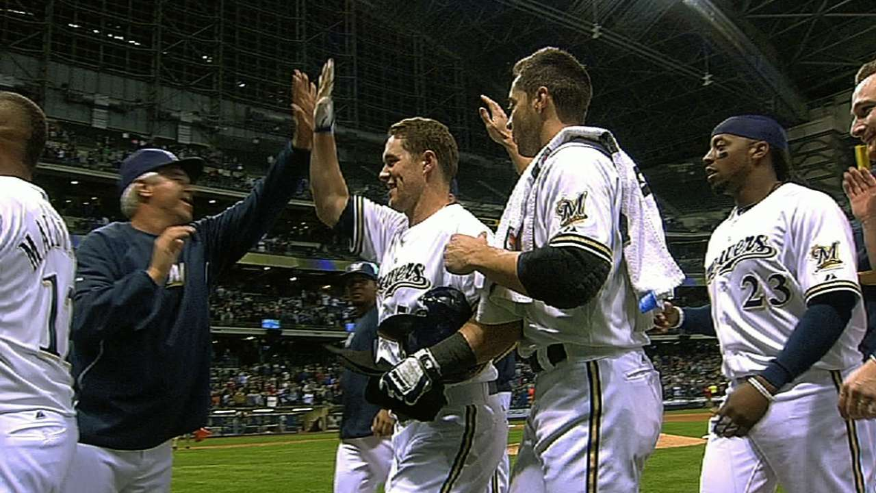 Lalli's hit caps Brewers' walk-off victory