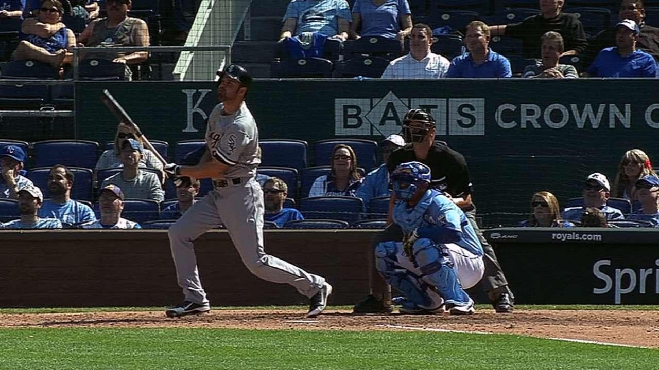 Danks' go-ahead homer in 11th caps White Sox rally