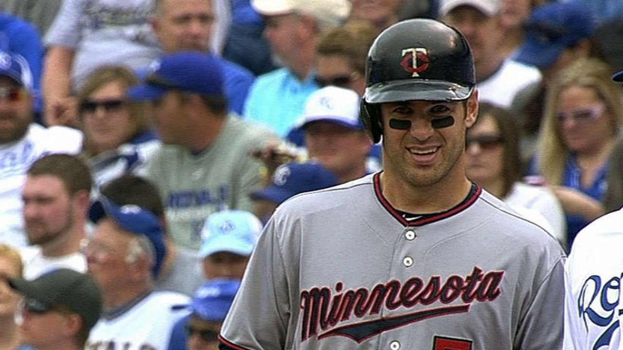 Mauer passes Gaetti on Twins' all-time hits list