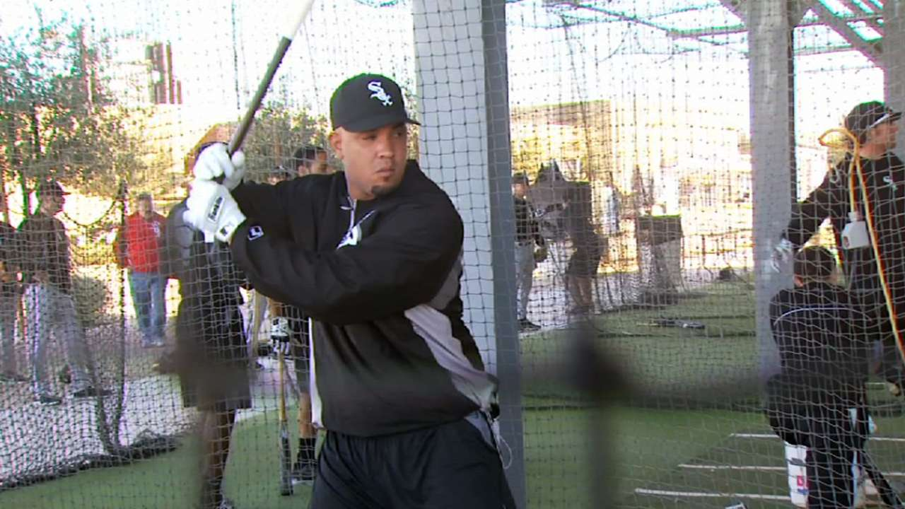 Abreu leaves strong impression on Sox at minicamp