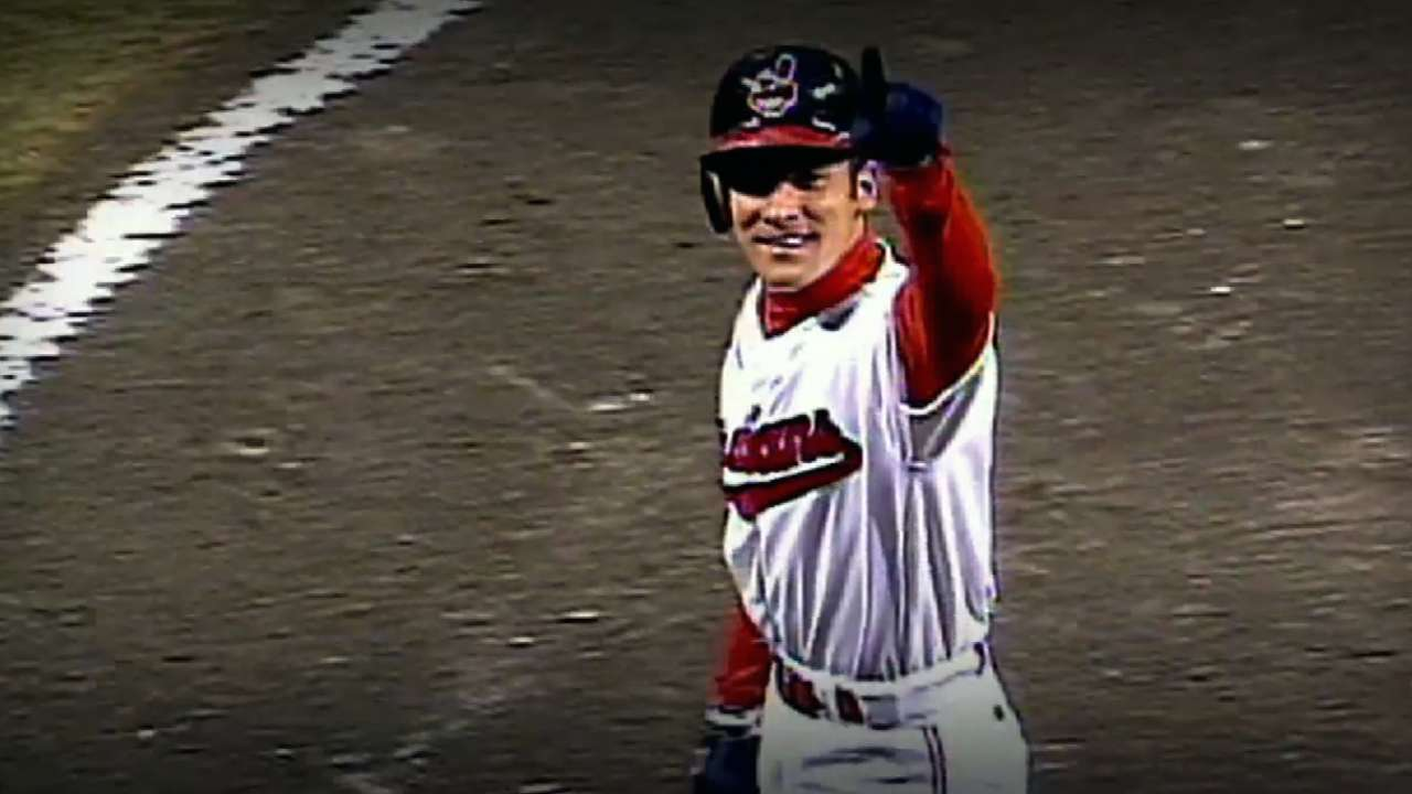 Vizquel honored to go into Tribe Hall of Fame
