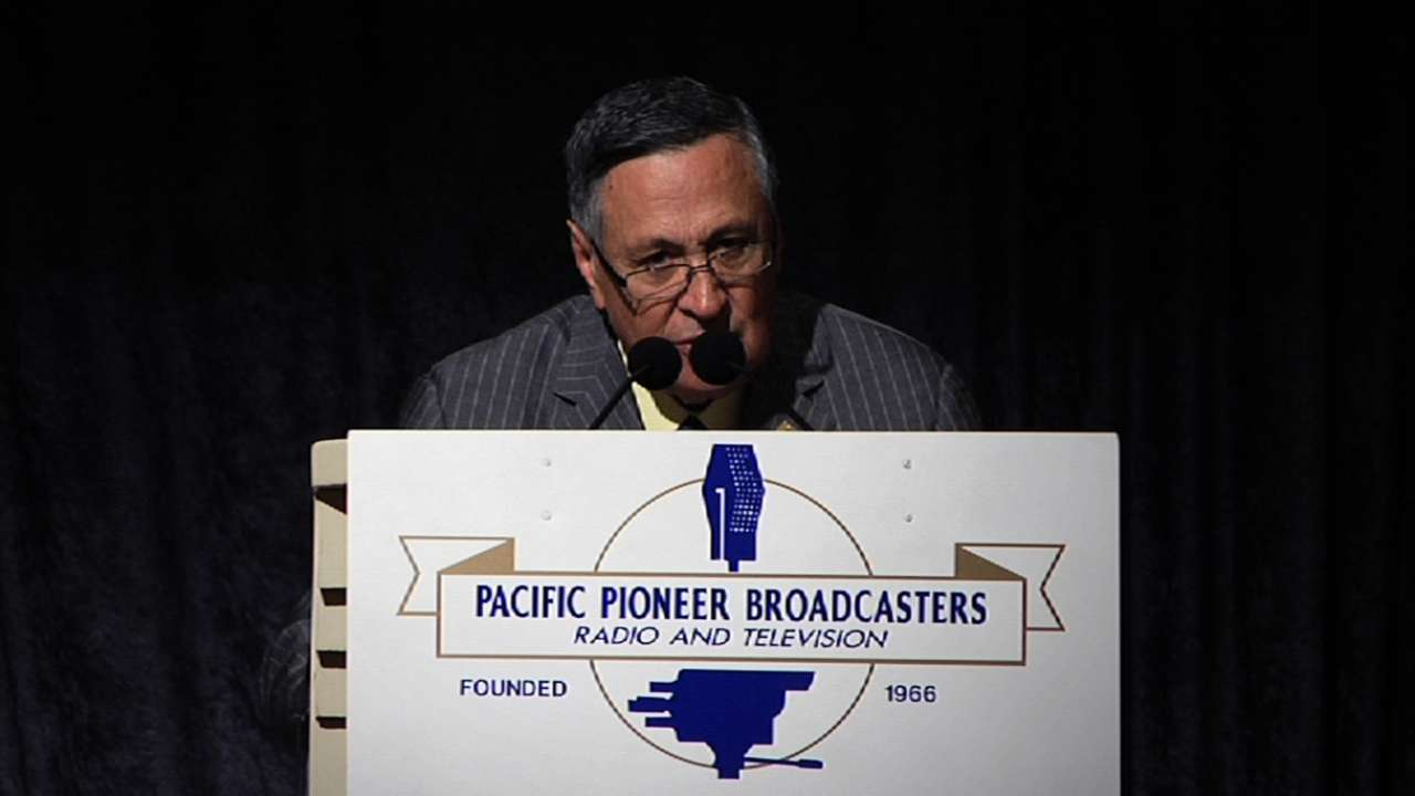 Jarrin gets award from Pacific Pioneer Broadcasters