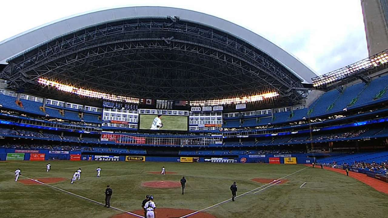 Blue Jays looking into installing grass at Rogers Centre