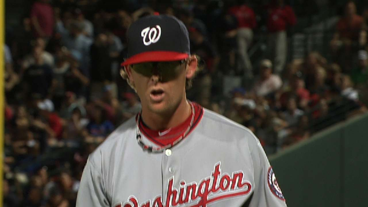Clippard skips 'pen session with minor back soreness