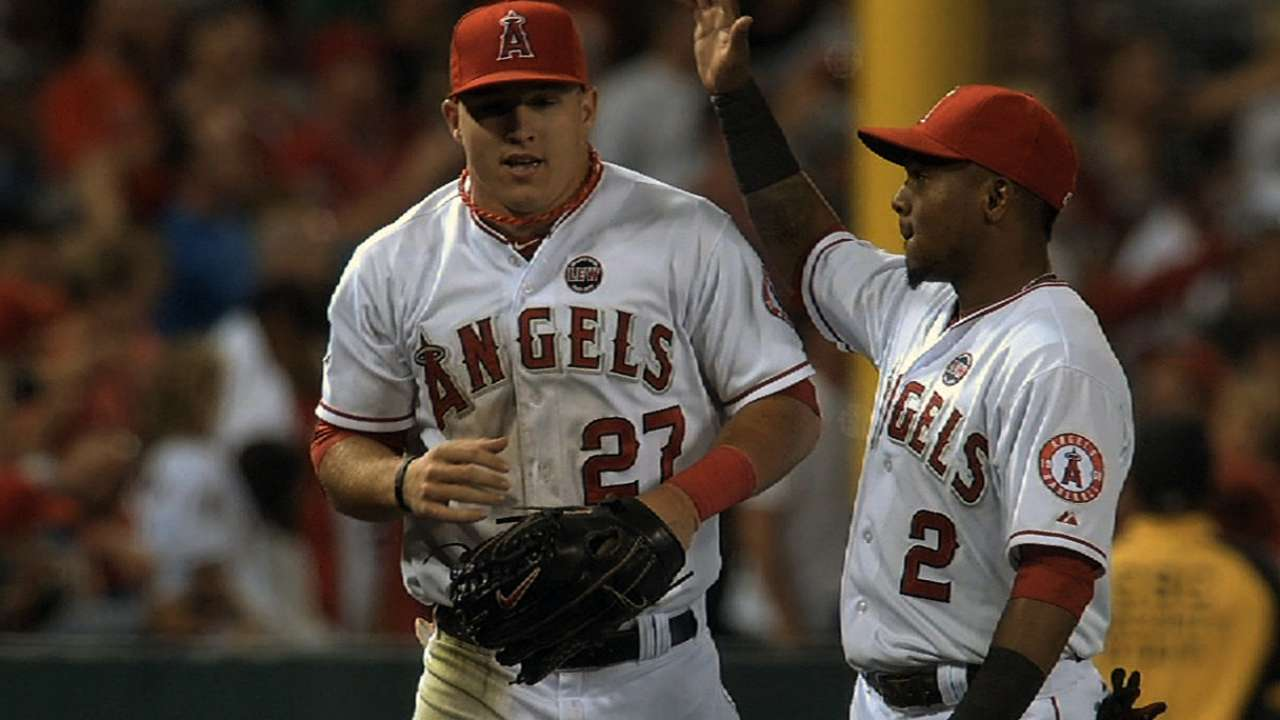 Trout to stay connected to Pujols in batting order