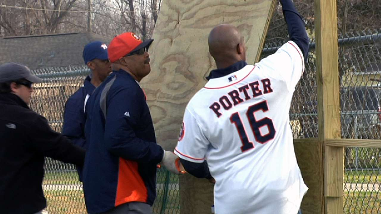 Astros manage to stay busy during Caravan
