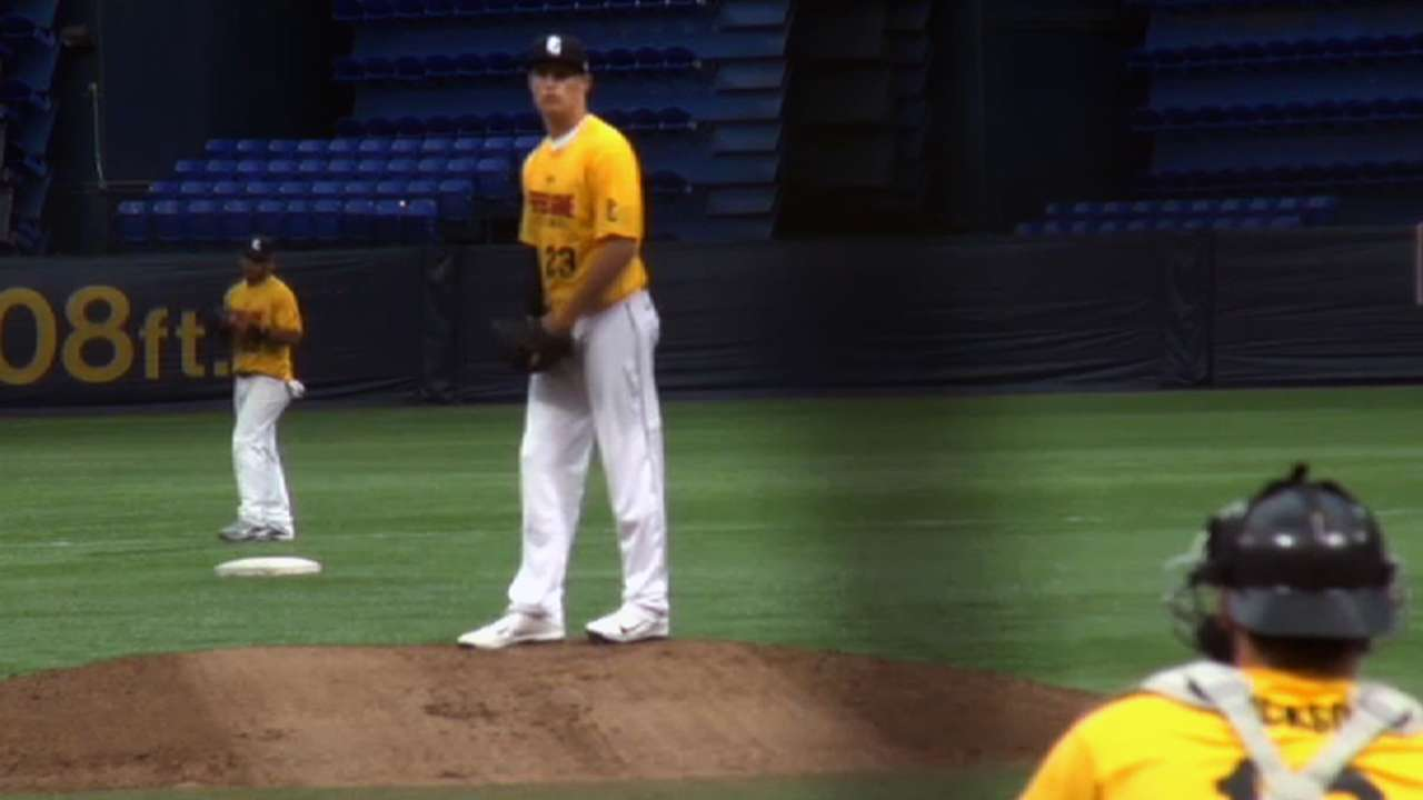 Rays nab record-setting righty in second round