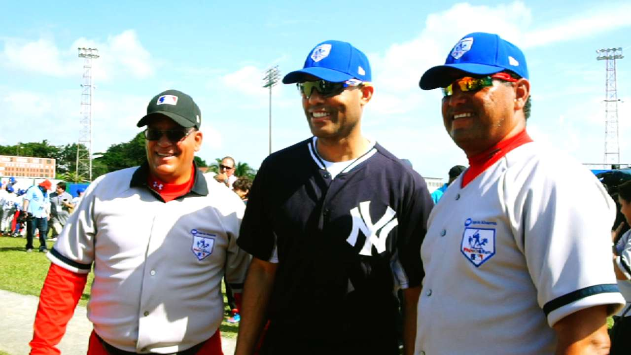 Yanks, Marlins to play in Panama, with Mo on hand