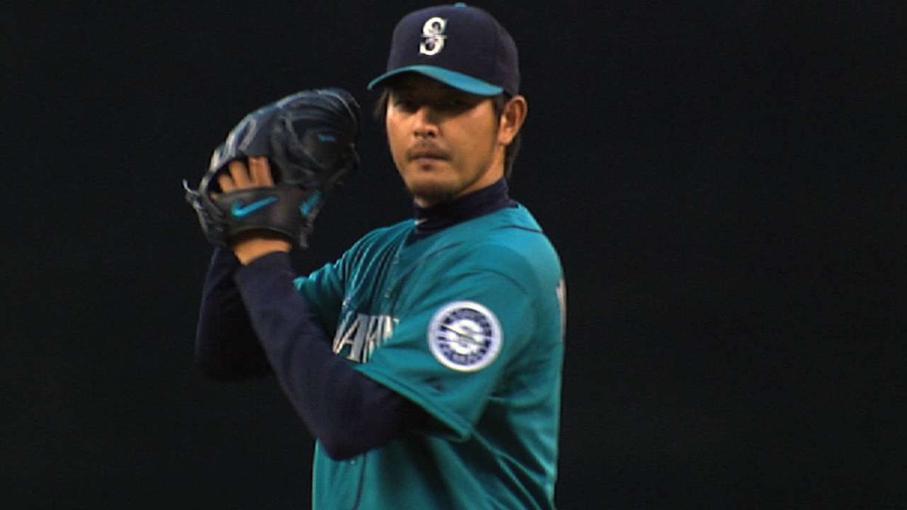 Iwakuma uses tennis ball to build up arm strength