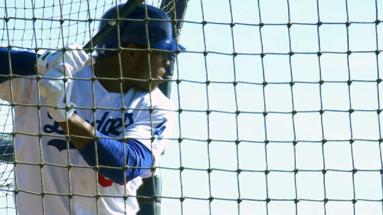 Puig rests due to swelling in his right leg