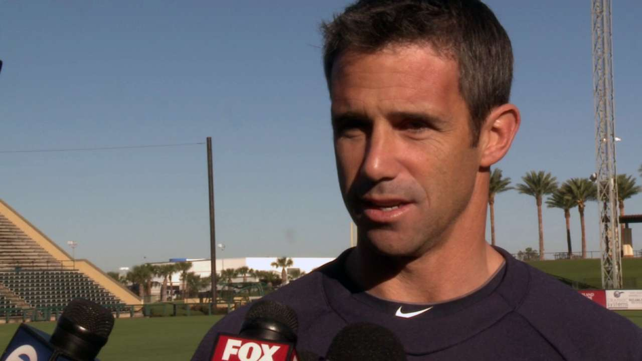 Ausmus begins spring days with light-hearted meetings