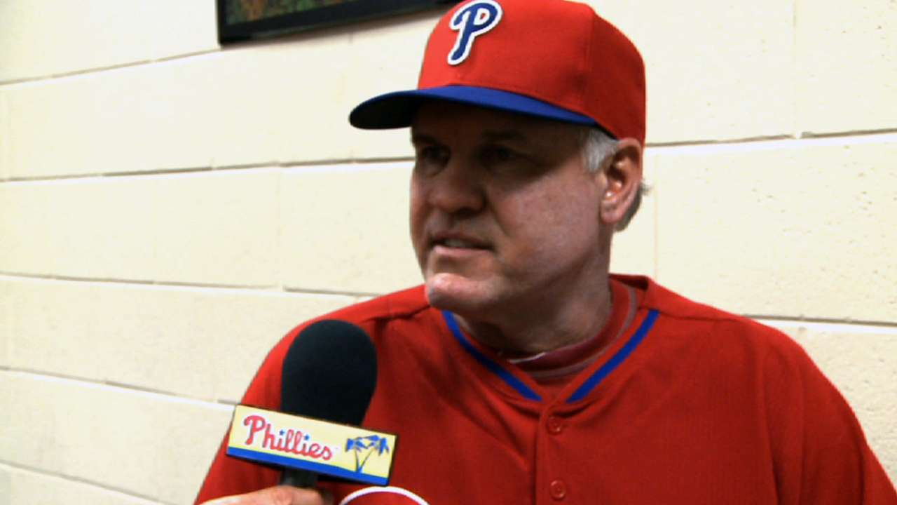 Sandberg sets tone in first full Phillies workout