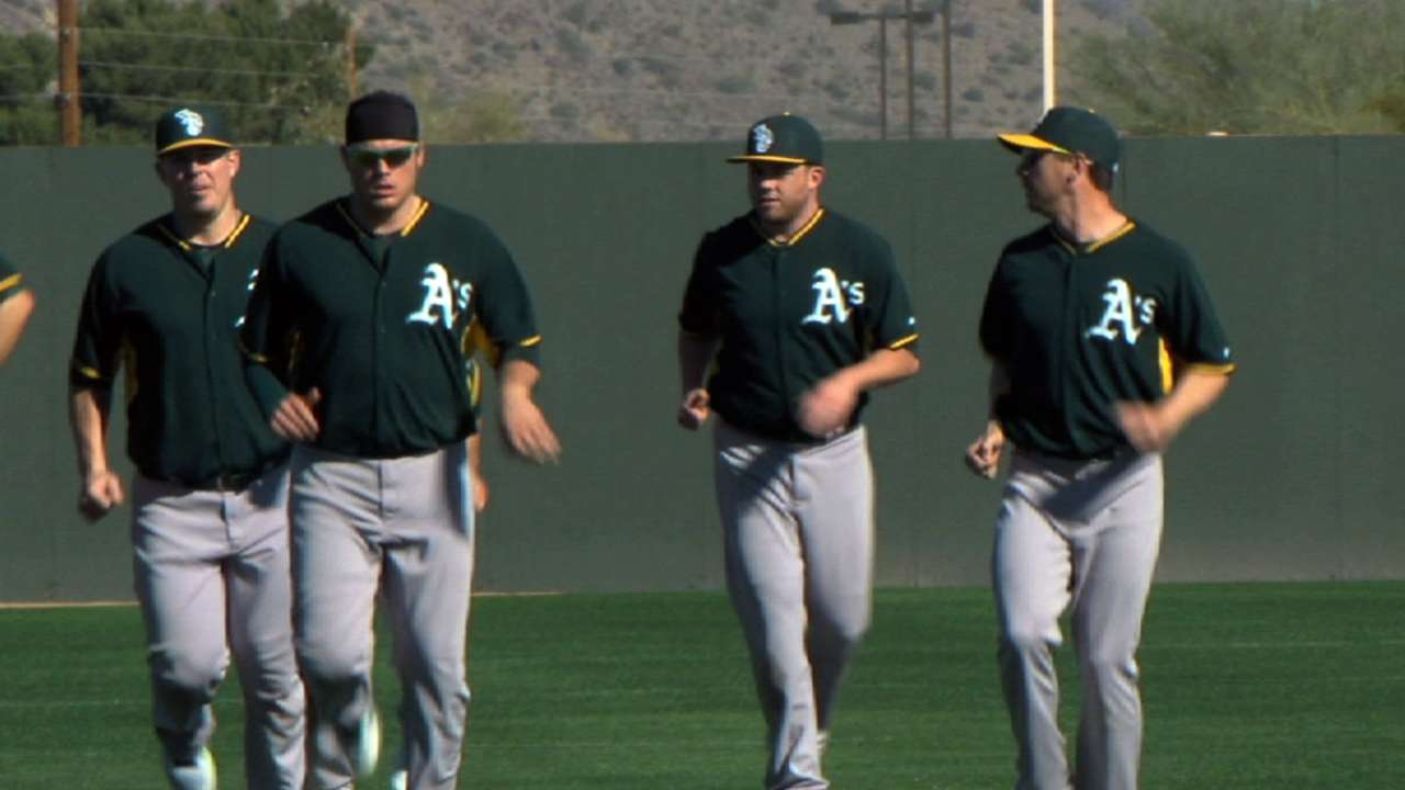 With familiar message, Melvin speaks to team